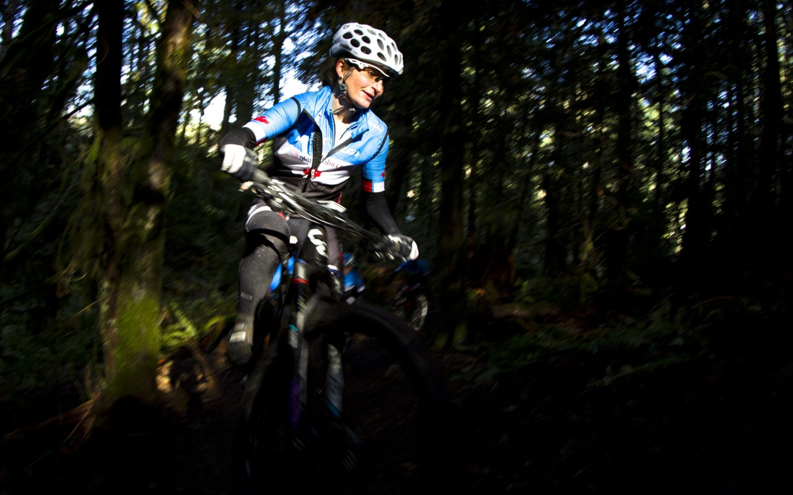canadian-mountain-bike-team-feb-23-2015-kevinlightphoto_v0c8325